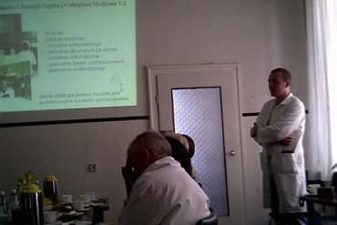 Lek. med. Michał Nowakowski prezentuje zagadnienie opaskowania żołądka